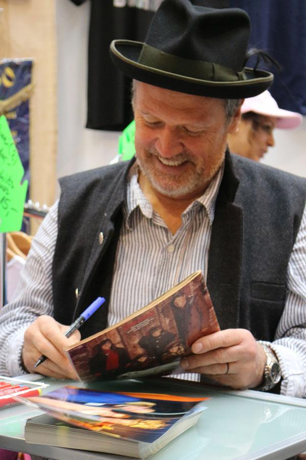 Hansi Kraus Autogrammstunde – Großer Andrang bei Waldrian auf der Gewerbeschau in Kissing